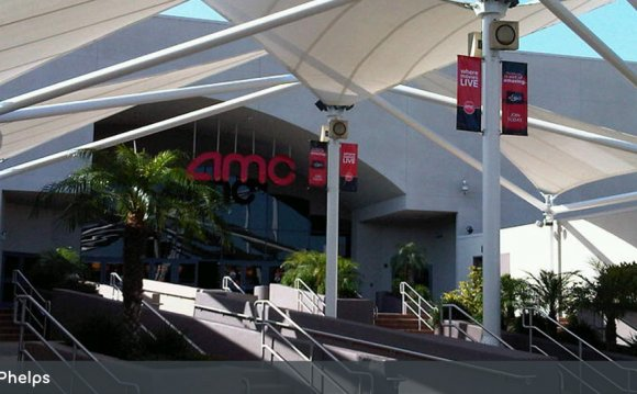 AMC Fashion Valley 18 - San