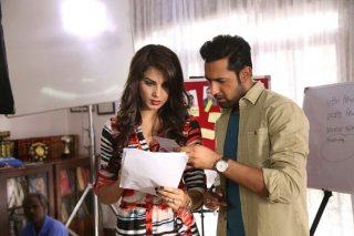 Gippy Grewal & Monica Gill on the set of Kaptaan